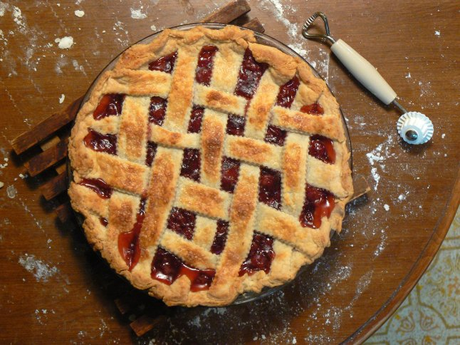 Cherry_pie_with_lattice,_February_2008